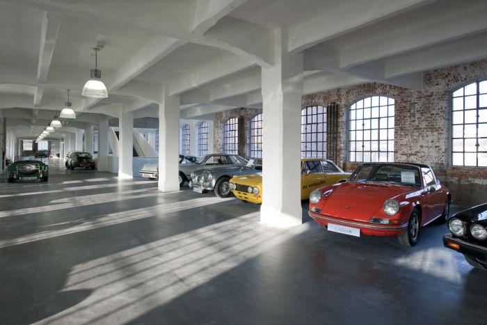 Ein Garagenboden Aus Farbbeton Lässt Sich Sogar Passend Zum Auto Gestalten