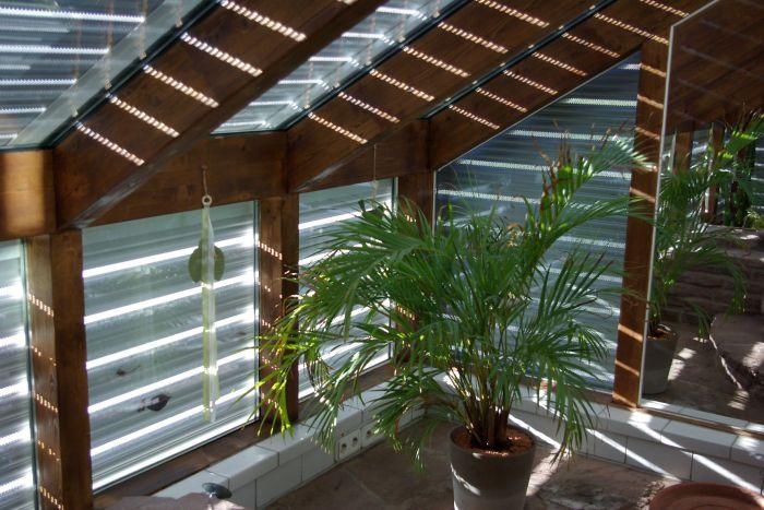 hausbautipps24 pflanzen im wintergarten so klappt es mit der gr nen oase. Black Bedroom Furniture Sets. Home Design Ideas