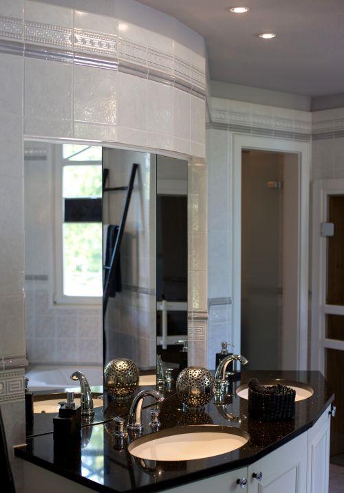 hausbautipps24 die richtige beleuchtung f r das badezimmer. Black Bedroom Furniture Sets. Home Design Ideas