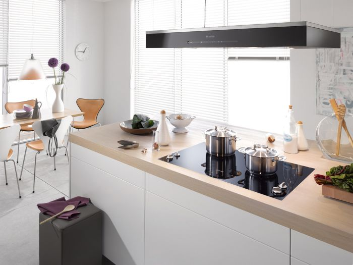 hausbautipps24 miele stellt neue insel dunstabzugshaube. Black Bedroom Furniture Sets. Home Design Ideas